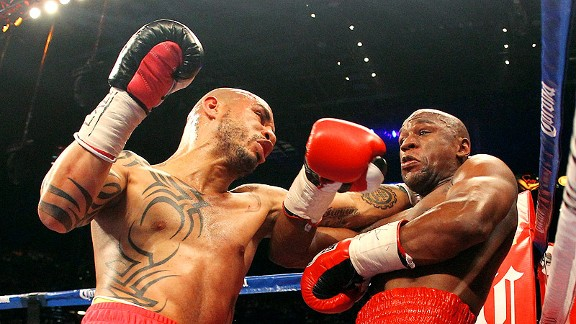 Cotto never panicked, even when it seemed he fell behind early in the fight. He pressed Mayweather when he could but mostly avoided opening himself up to the challenger's excellent counterpunching attack.