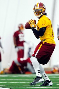 Redskins sign Heisman-winning QB Griffin III