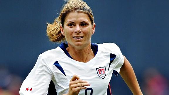 Ben Radford Getty Images Mia Hamm possessed astonishing acceleration    Famous Female Athletes Soccer