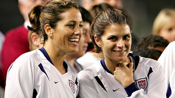 Best female athlete of the past 40 years? Mia Hamm. And she was even better as a teammate, says Julie Foudy, left.
