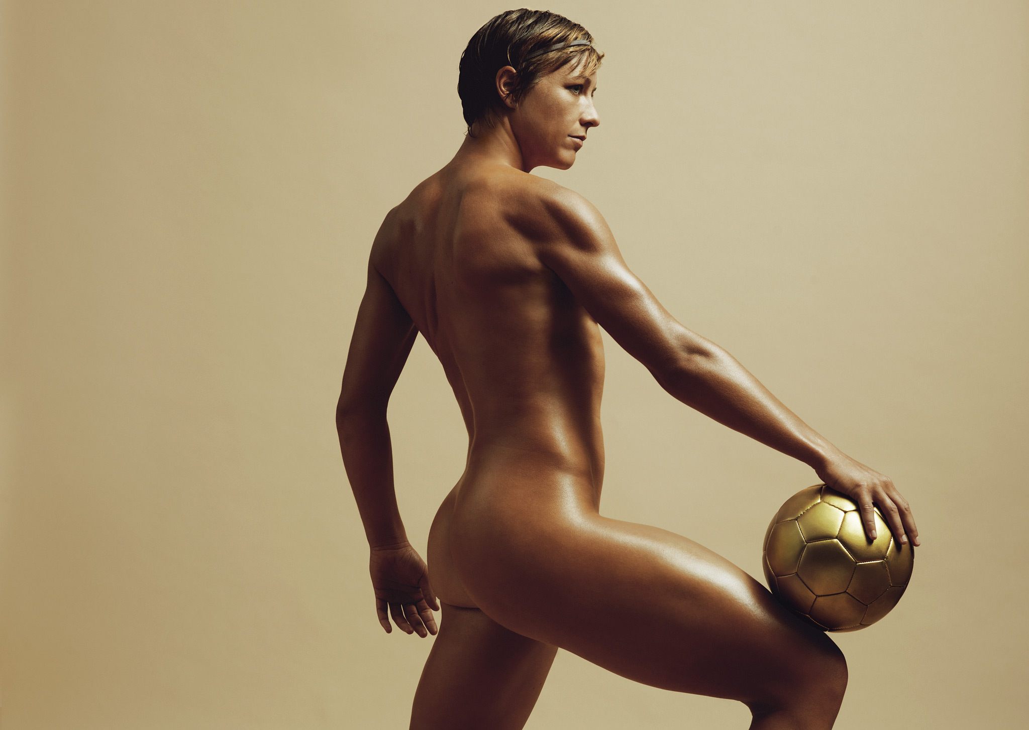 http://a.espncdn.com/photo/2012/0709/espnw_bodyissue_09b.jpg