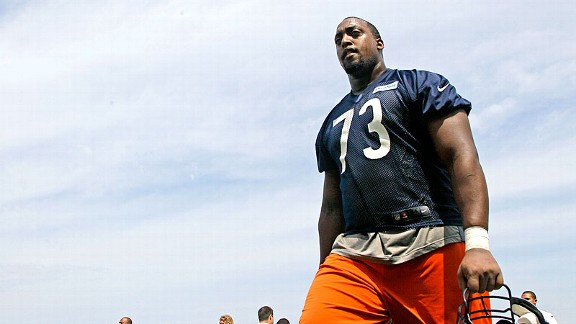 J'Marcus Webb fighting to keep a place on Bears' O-line