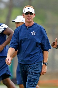 Jerry Jones not doing Jason Garrett any favors