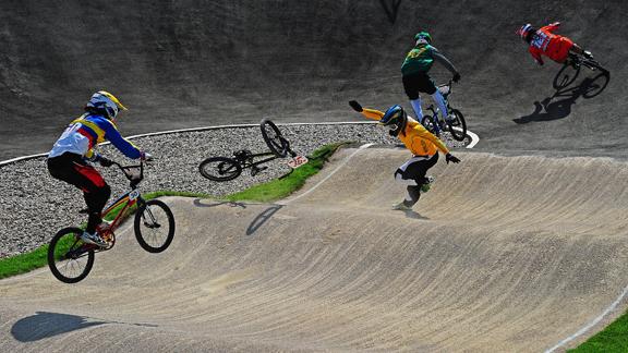 /photo/2012/0809/as_bmx_quarterfinals2_576.jpg