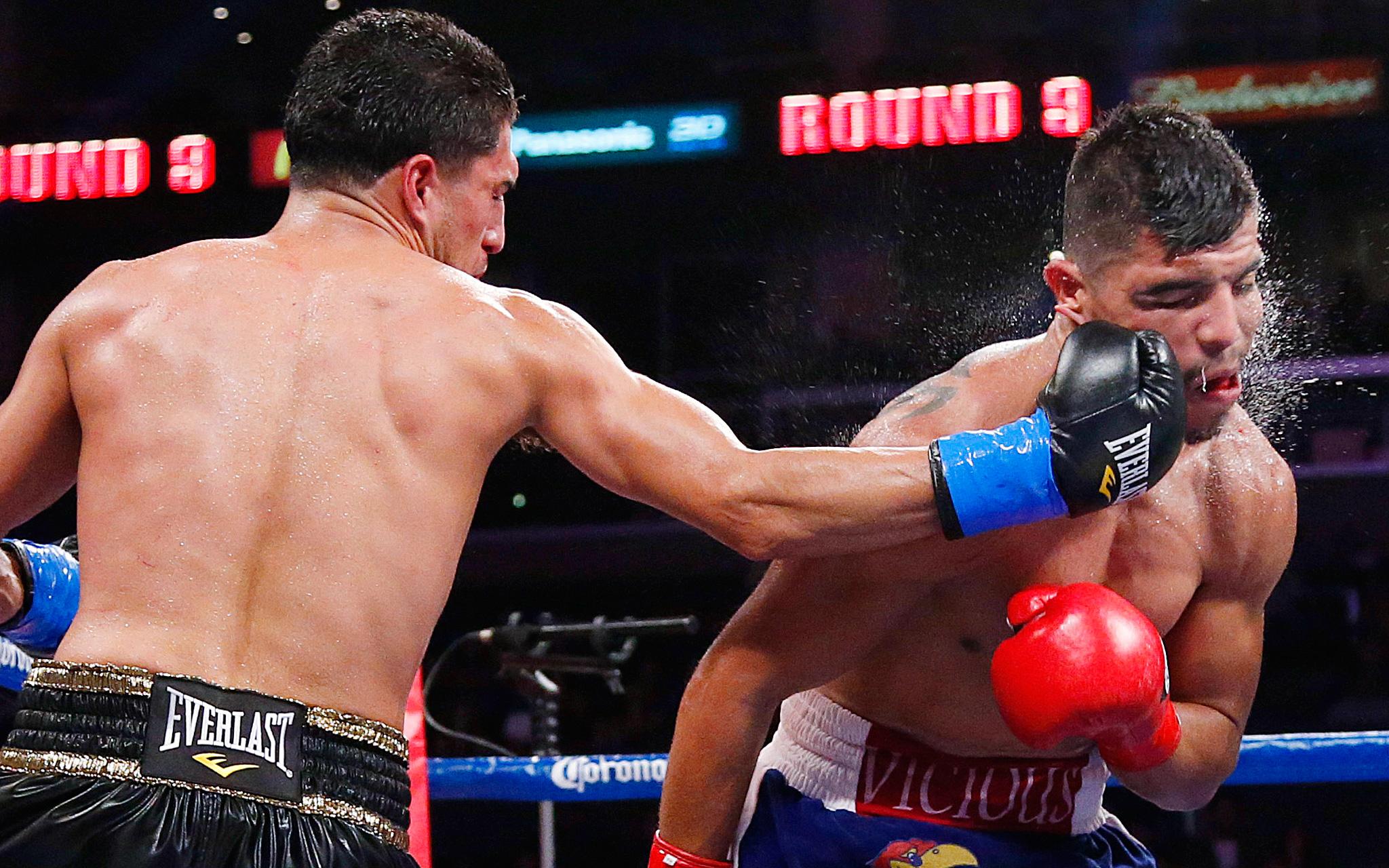 Josesito Lopez vs. Victor Ortiz