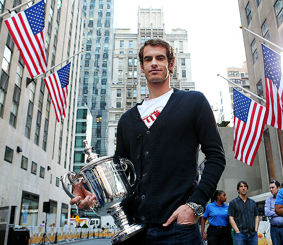 Andy Murray with U.S. Open trophy in New York