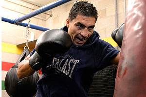 Josesito Lopez training