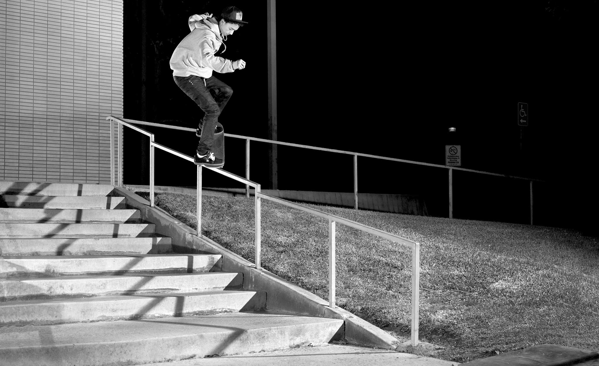 Precision skating like this frontside nose grind, drop down to frontside nose grind is what sets Nyjah Huston apart from the rest.