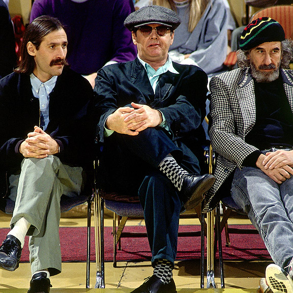 Jack Nicholson watches a Lakers game in 1990