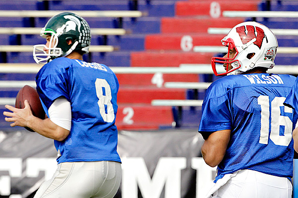 Kirk Cousins and Russell Wilson at 2012 Senior Bowl practice