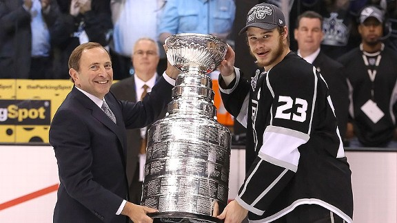Gary Bettman, Dustin Brown
