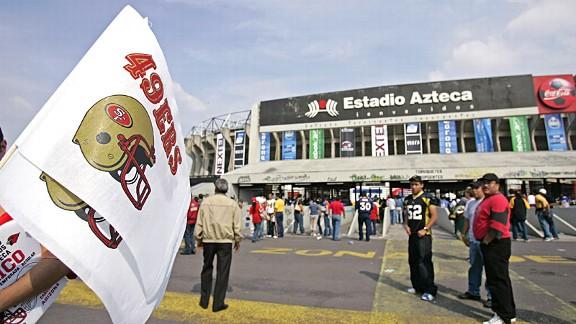 Estadio Azteca before the 2005 49ers-Cardinals game