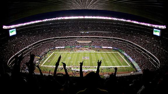 Estadio Azteca during the 49ers-Cardinals game in 2005