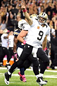Brees breaks Unitas' record in front of Payton