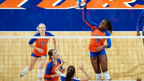 Chloe Mann has helped Florida post a 9-0 start in SEC play by posting a .422 hitting percentage this season.