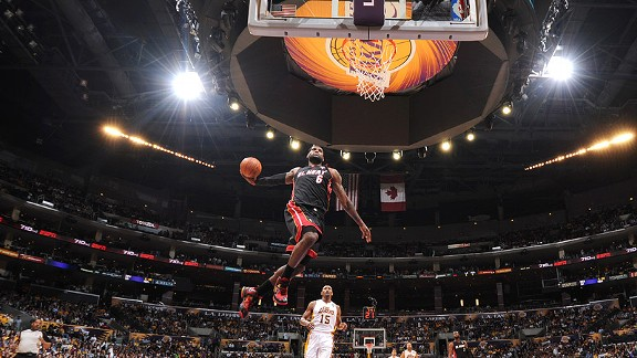 NBA -- Los Angeles Lakers may be eying LeBron James in 2014
