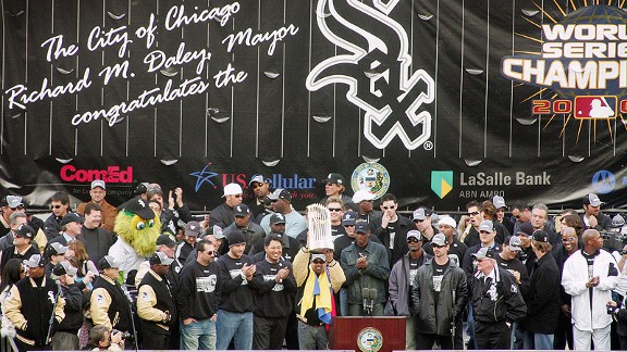 Chicago White Sox celebrate  at their World Series parade in 2005