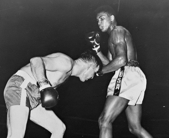 Tunney Hunsaker vs Cassius Clay