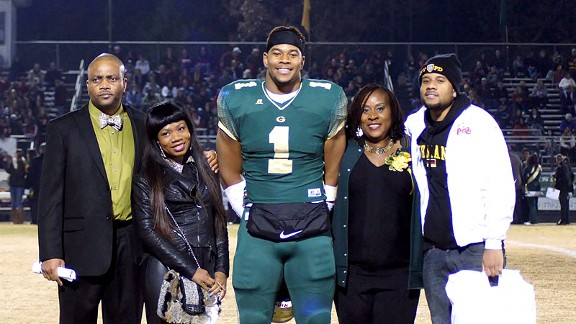Robert Nkemdiche and family