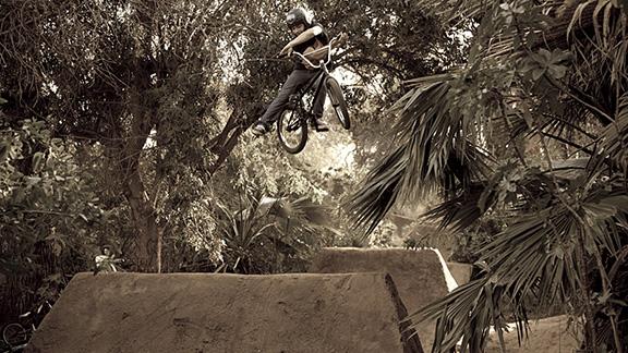 Sal Saavedra, one-footed x-up.
