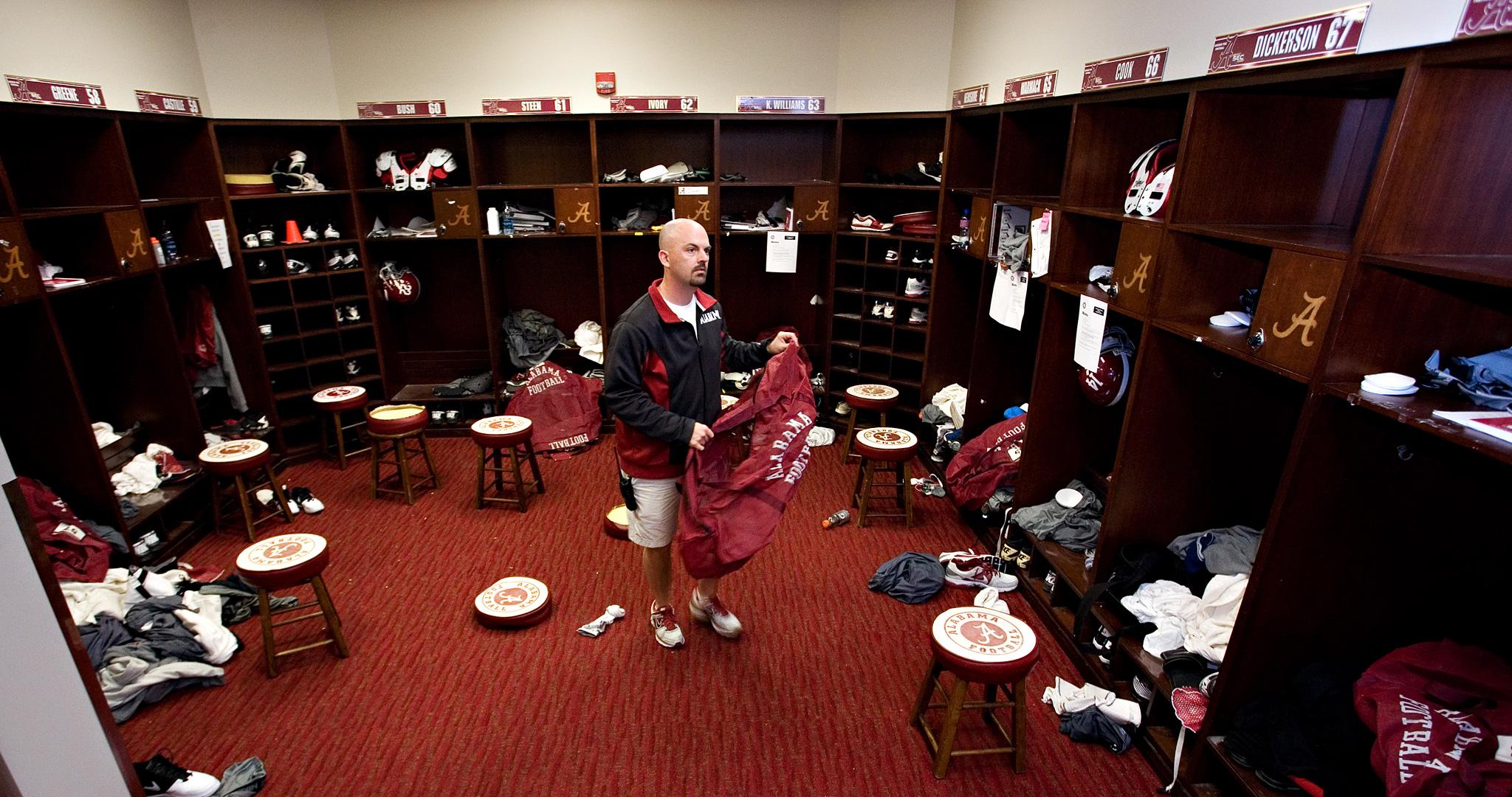 Alabama Equipment Manager Jeff Springer Go Fight Pack