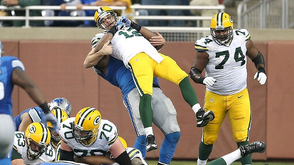 'Compromising position' for Aaron Rodgers