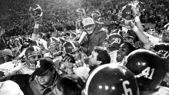 Bear Bryant with the Alabama Crimson Tide at the 1982 Liberty Bowl