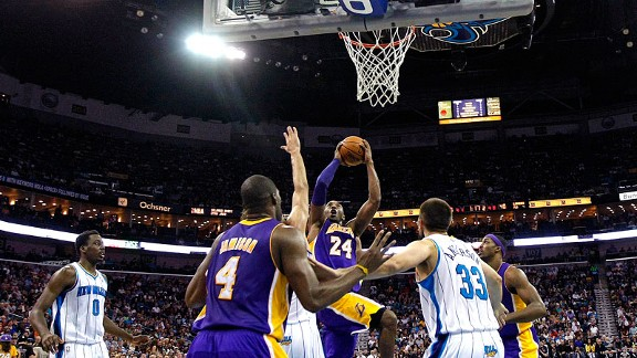 Kobe Bryant with the Los Angeles Lakers scoring his 30,000th point
