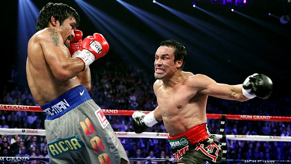Manny Pacquiao (L) and Juan Manuel Marquez 