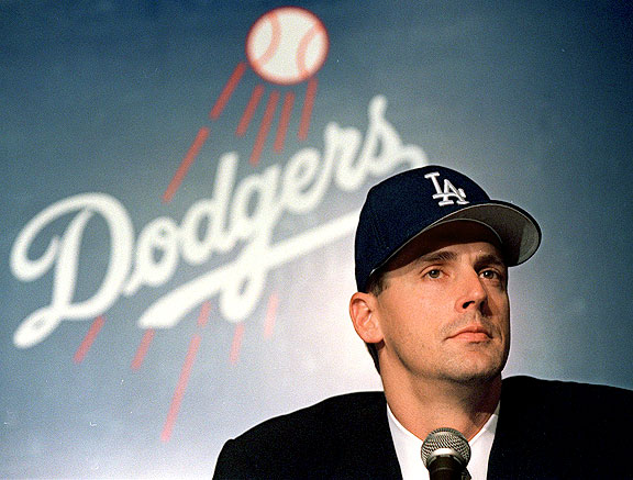 Kevin Brown signing with the Los Angeles Dodgers