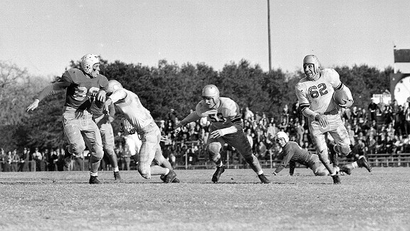 Oil Bowl featuring the Georgia Bulldogs in 1946