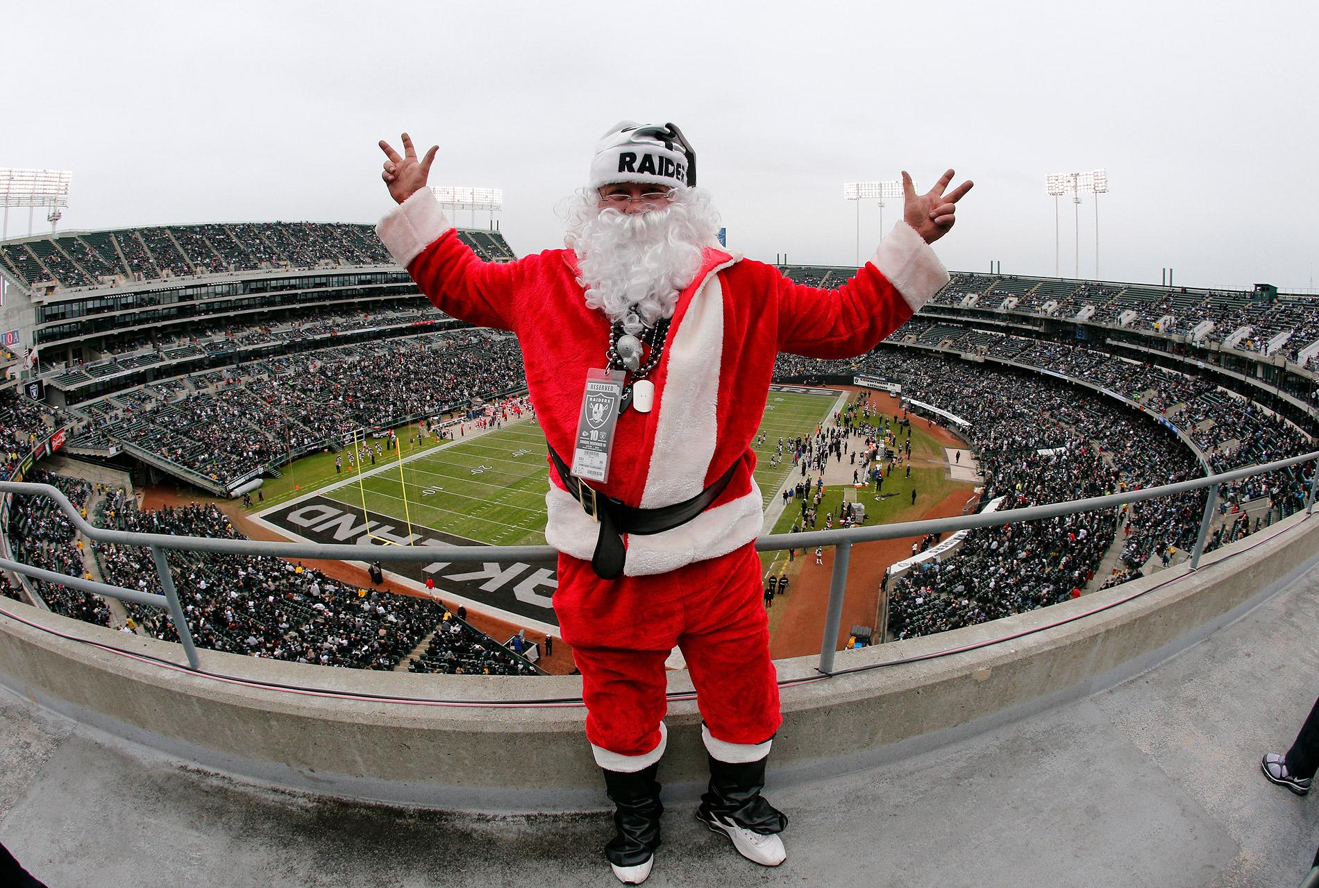 Santa Raids Oakland