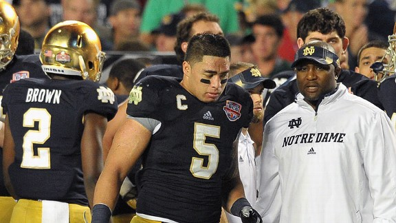 Manti Te'o of the Notre Dame Fighting Irish at the BCS National Championship Game against the Alabama Crimson Tide