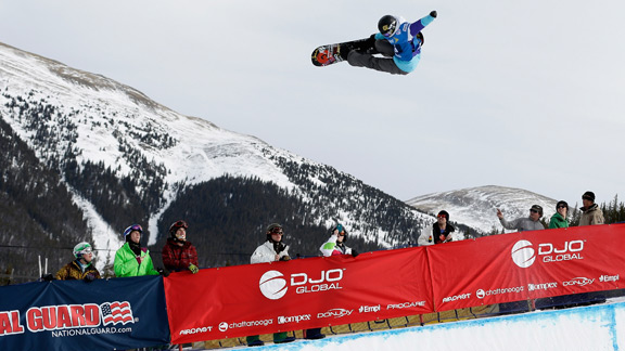 Kelly Clark, who has dominated women's pipe competitions for the past two years, came in second to Torah Bright.