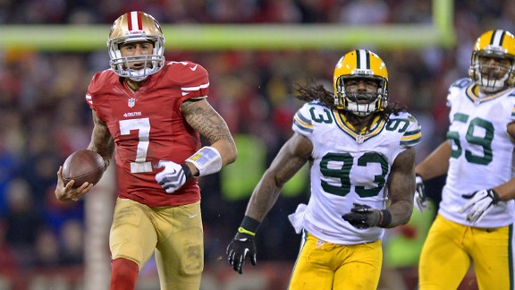 Packers watch as Colin Kaepernick runs by