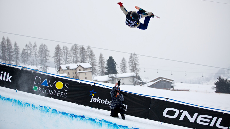 Snowboarding's first Olympic Gold medalist Gian Simmen rode in his last snowboard contest Thursday.