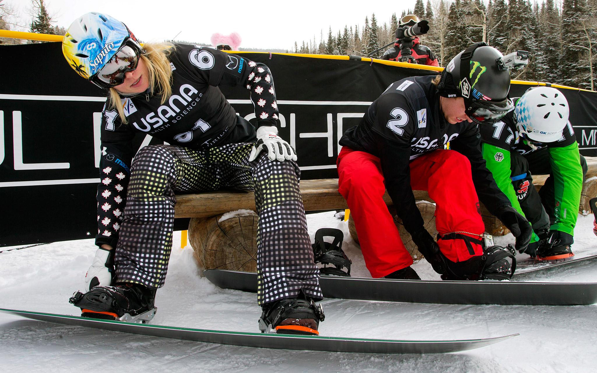 Snowboarding cross