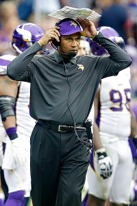 Vikings announce Frazier out as head coach