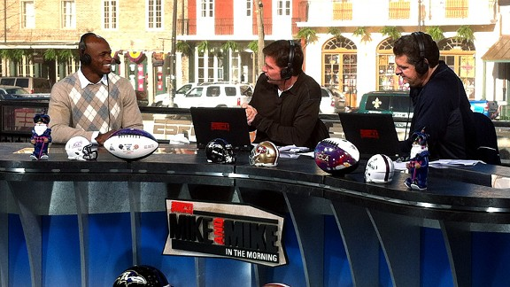 Vikings' Adrian Peterson, Mike Greenberg and Mike Golic