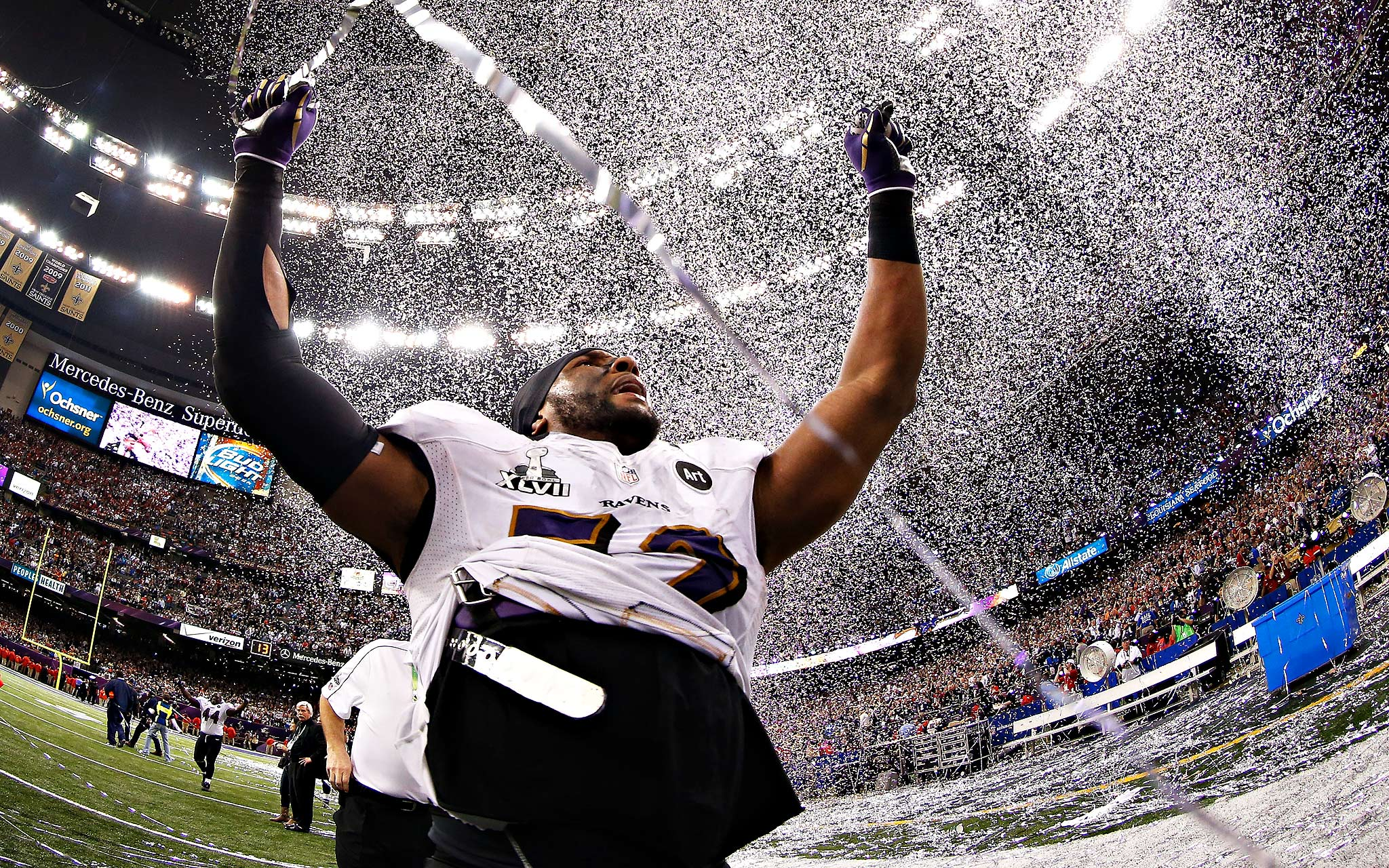 """analysis of impact of super bowl The impact of the super bowl has been a phenomenon in fact, since january 1967 """"it has become part of the american culture, which illustrates that it has become the single-most important event in the sporting world currently"""" (johnson, savidge, pp 83."""