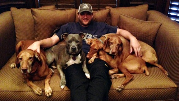 Mark Buehrle and his dogs