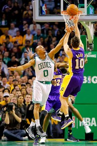 Steve Nash, Avery Bradley 