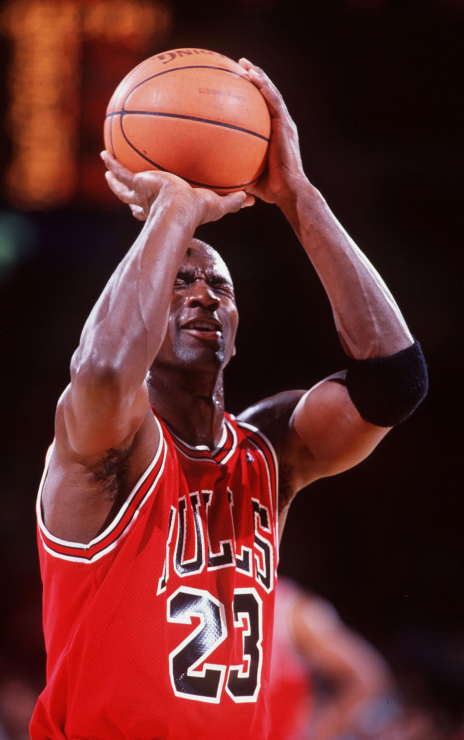 35. Blind Free Throw - Michael Jordan 50 Greatest Moments - ESPN