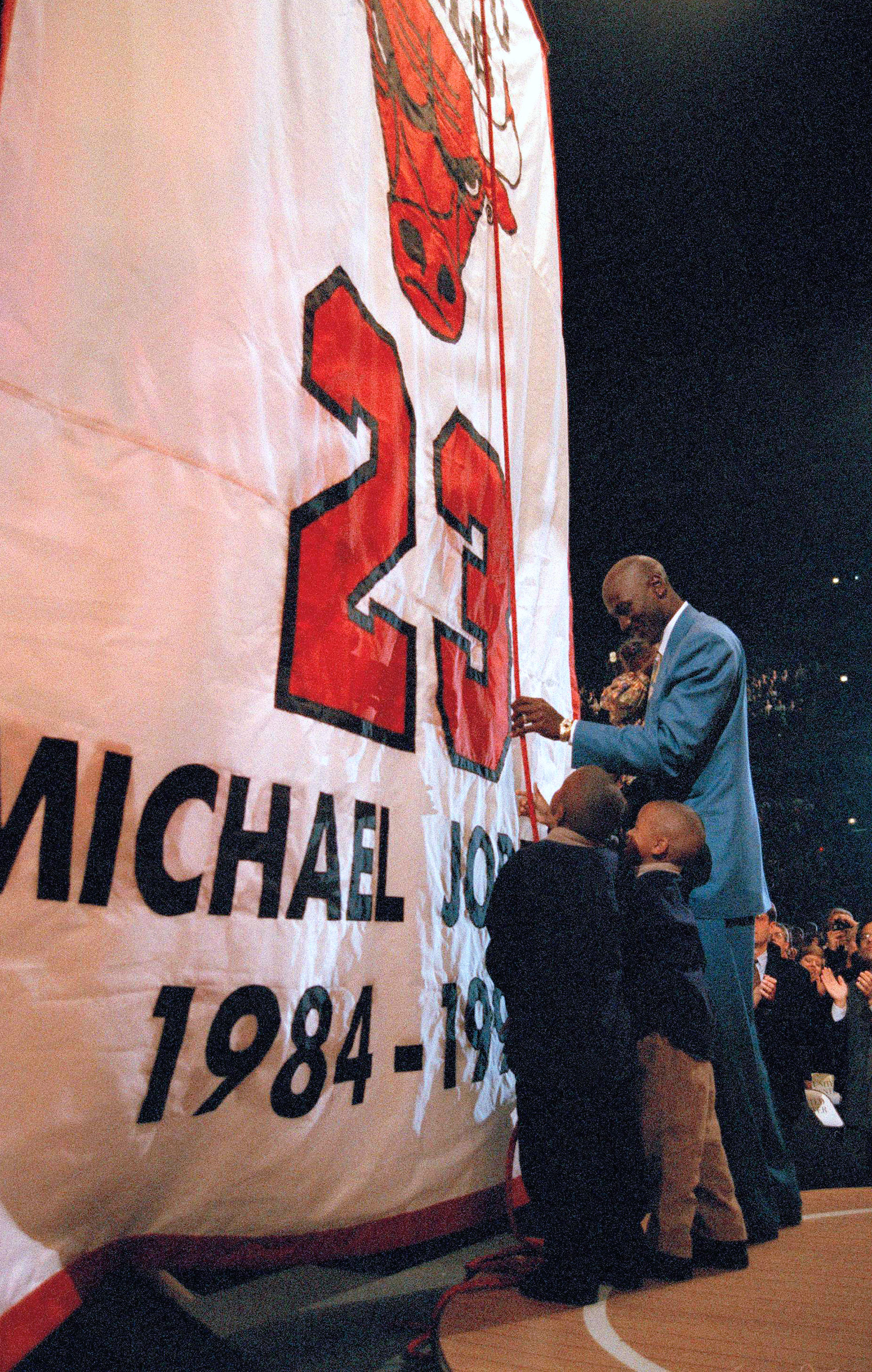 kyntky 49. Heat Retire No. 23 - Michael Jordan 50 Greatest Moments - ESPN