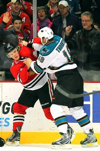 Jonathan Toews, Joe Thornton