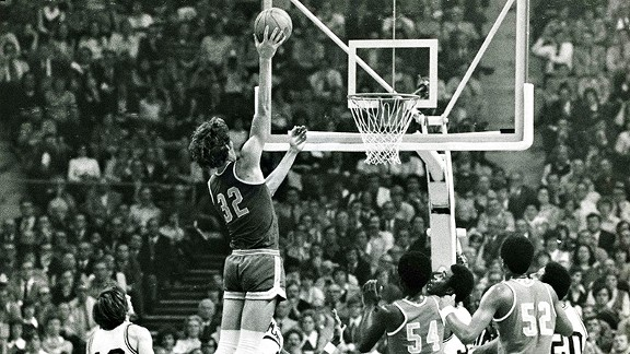Bill Walton made 21 of 22 shots, scoring 44 points, in UCLA's title win over Memphis State in 1973.