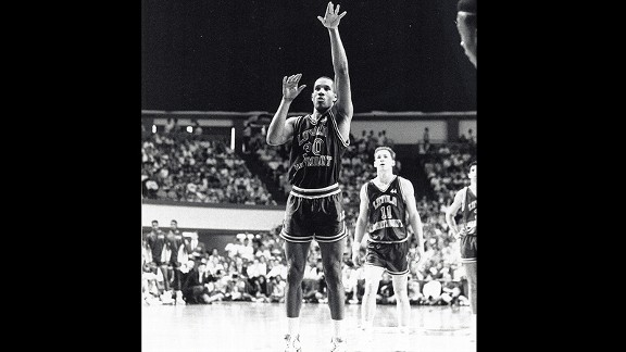 Bo Kimble shot his first free throw in the 1990 NCAA tournament left-handed, in honor of his friend Hank Gathers who passed away earlier that season.