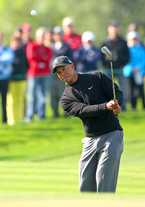 Tiger can't capitalize on hot start, scores 70