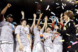 Stanford Women's basketball celebrates