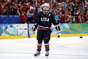 Julie Chu and the U.S. hockey team are aiming for gold at the world championships in Ottawa this week.